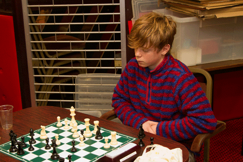 Zak is doing rather well against the maestro Steve - he's only a pawn down at this stage.