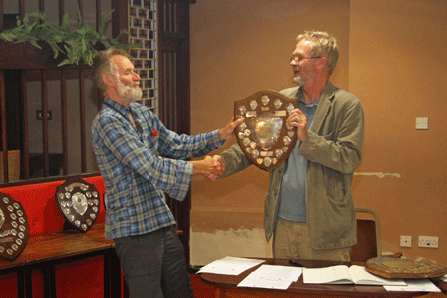 Andrew Kinder presents the Division 2 Team Trophy to Wilf Taylor (Newton Abbot)