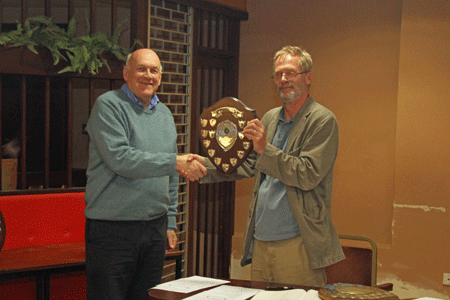 Andrew Kinder presents the Division 3 Team Trophy to Phil McConnell (South Hams)