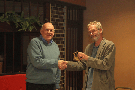Andrew Kinder presents the Divison 3 Individual Trophy to Phil McConnell (South Hams)